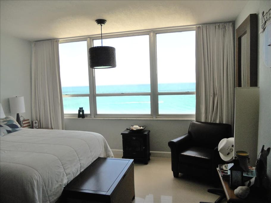 Beautiful Stunning Ocean View right from your bed!!