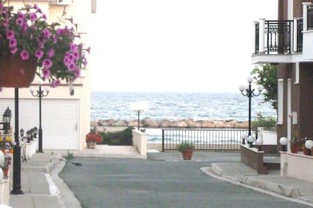 3 Bedroom Sup. Side Sea View Villa - Oroklini - Villa