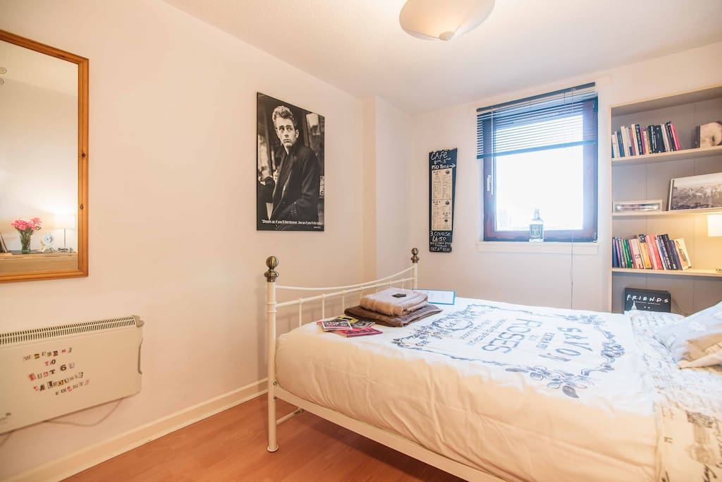 Lovely double room in City Centre!