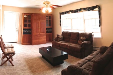 Room type: Entire home/apt Property type: House Accommodates: 10 Bedrooms: 4 Bathrooms: 2.5
