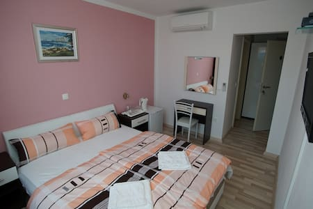 Room for 2 - Promajna - Bed & Breakfast