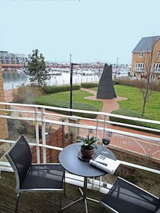 Double bedroom in Cardiff Marina - Penarth - House