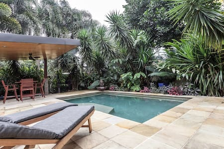 Beautiful Apartment in Cairns - Cairns North - House