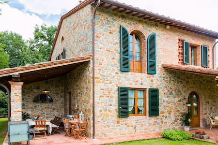 Charming Villa in Stone in Tuscany - Haus