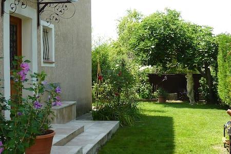 appartement calme et spacieux - Saint-Cannat