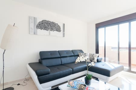 2-beds apartment close to the beach - Apartament
