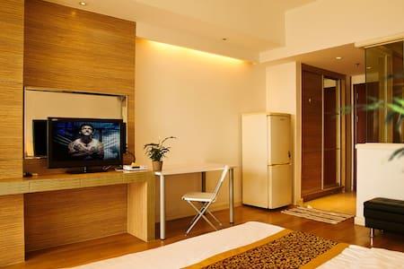 浦东万达广场 豪华装修酒店公寓 舒适享受