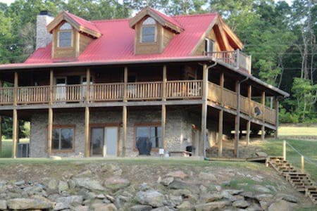 Log Cabin w/ Spectacular Bluff View - Cottage