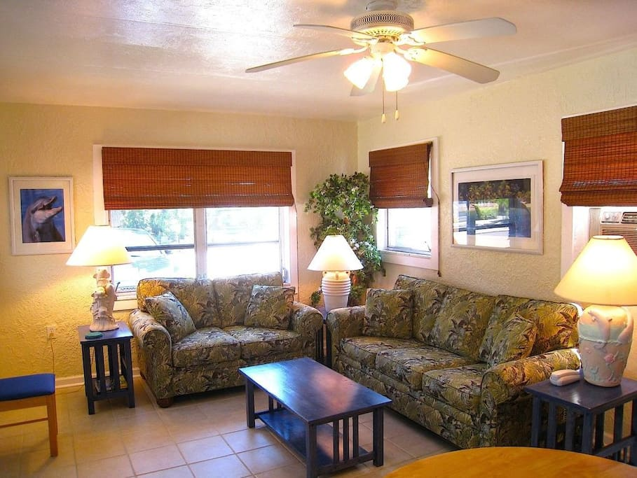 Spacious 1BR Beach Cotttage w/pool!