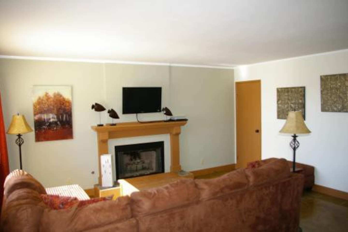 Comfortable family room with flatscreen LCD and Satellite TV