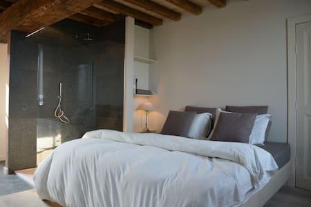 Warme kamer op gelijkvloers - Bed & Breakfast