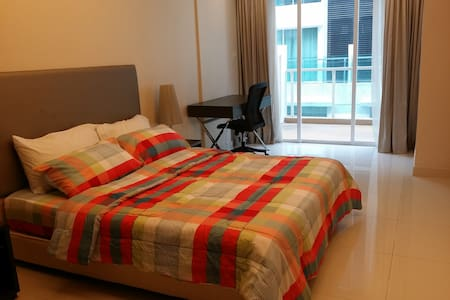 Lovely apartment, close to CBD!