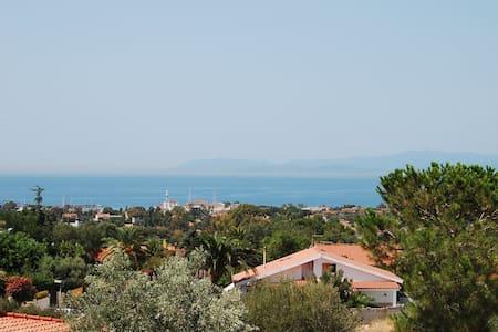 Camera matrimoniale al mare - Quartu Sant'Elena - Villa