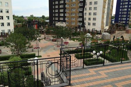 Шикарная квартира на 42 этаже в ЖК АРТ-Крокус-Сити - Apartment