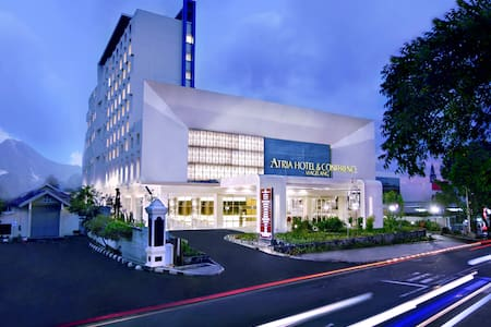 Atria Hotel and Conference - Bed & Breakfast
