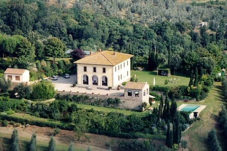 Villa with parc and swimming pool - Vinci