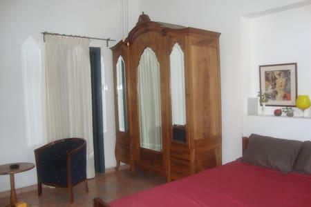 Cozy en-suite room (1) Old Nicosia!