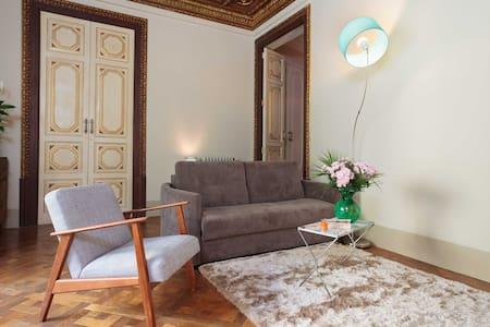 Casa del pi Private double room ! - Barcelone - Bed & Breakfast