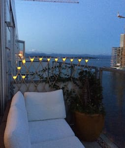 Top floor apartment with sea view - 公寓