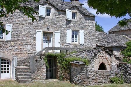 Maison typique du Causse Méjean