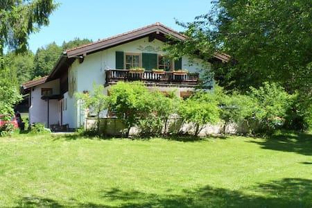 Ländliche Ferienwohnung in Geitau - Apartment