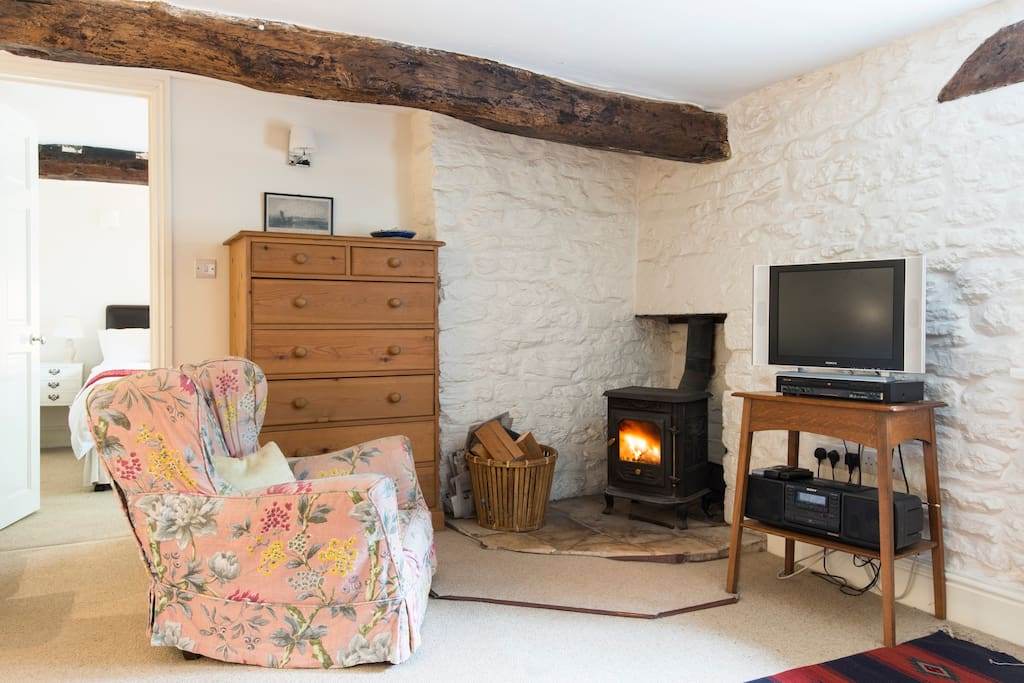 Snug woodburner with all wood supplied