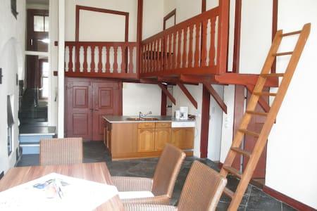 "Altstadthaus, FeWo ""Amberg"" - Pis"