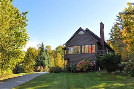Rustic Elegance Log Home - Winter/Ski Rental! - Littleton