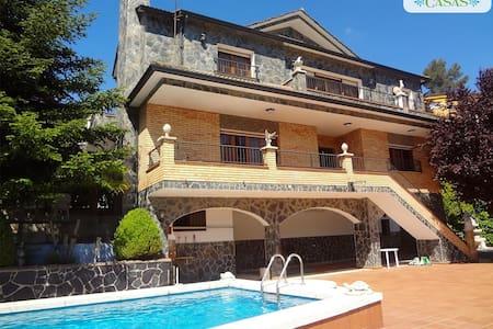Las Marinas villa 40 min to Bcn! - Hus