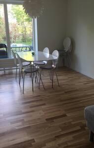 Lejlighed tæt v. centrum med have - Odense