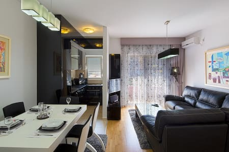 2 bedroom apartment for 4 people - Budva
