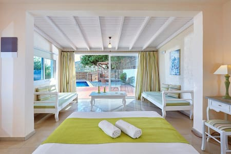 Elounda Eleon Suite with Seaview and pr. Pool - Lasithi - Bungalow