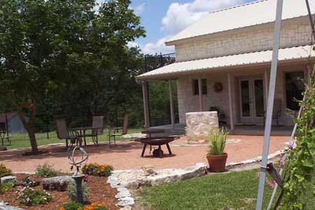 Country Memories Country Property with Great Views - Fredericksburg - Casa