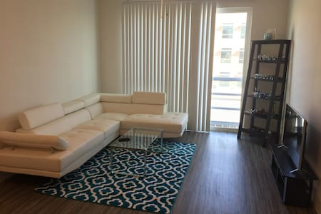 Bright, Lofty Apartment At The Domain! - Austin - Apartment