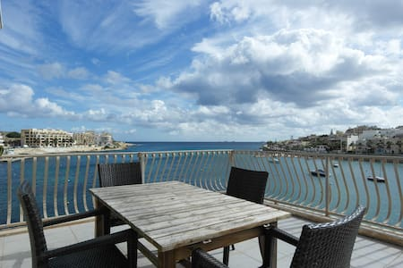 Seafront/ huge terrace right on sea - Apartmen
