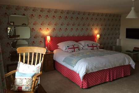 Pickersgill Manor Farm Airedale Room - House