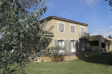 Maison en Provence sud de France - Huis