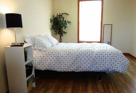 1 Bdrm Apt by Brewery Bike & River - Miamisburg - Apartamento