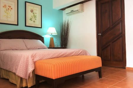 Private double room with bathroom at Kite Beach - 喀巴里特