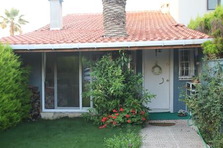 denize sıfır sakin mustakil ev - İzmir