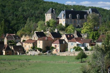 La Maison du Chateau-Dordogne - House
