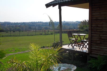 Log Cabin in the Countryside - Midrand - Cabane