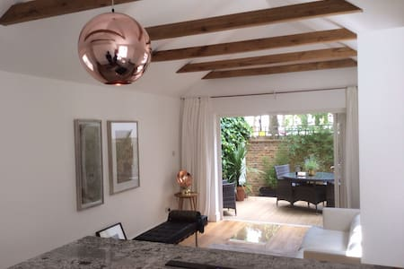 Coach House in Islington/St Pancras - Apartemen