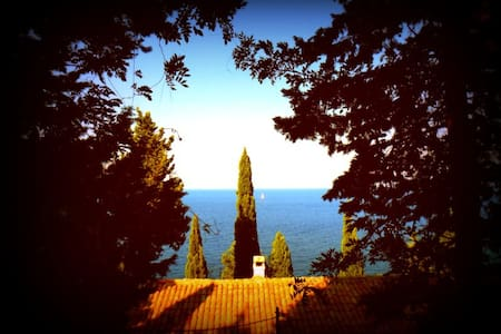 Sea-side holiday villa in Paxos - Villa