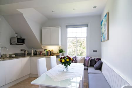 Gorgeous room in central Oxford