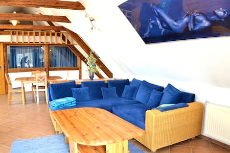 Loft in alter Poststation bei HH
