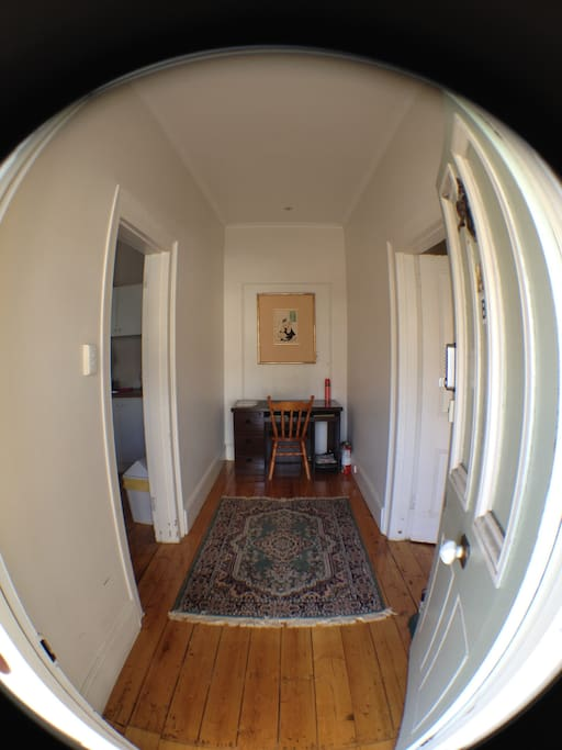 Entrance with Office Desk - Fast WiFi complimentary