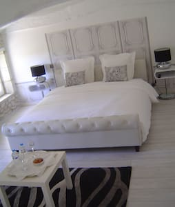 DOMAINE DE LA GRANDE MOTTE - Bed & Breakfast