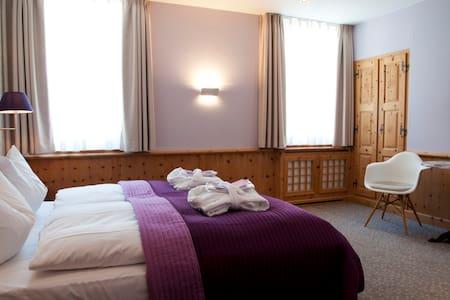 Zimmer in Pontresina bei St. Moritz - Pontresina