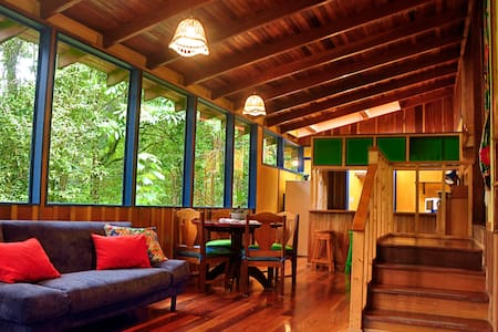 Casa Ira Rosa is situated in the mountains of Monteverde just a few minutes walk to the world famous Monteverde Reserve. This peaceful retreat, is nestled within the misty canopy and offers a distinct log cabin feel.